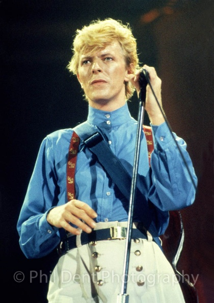 david-bowie-wembley-1983.jpg